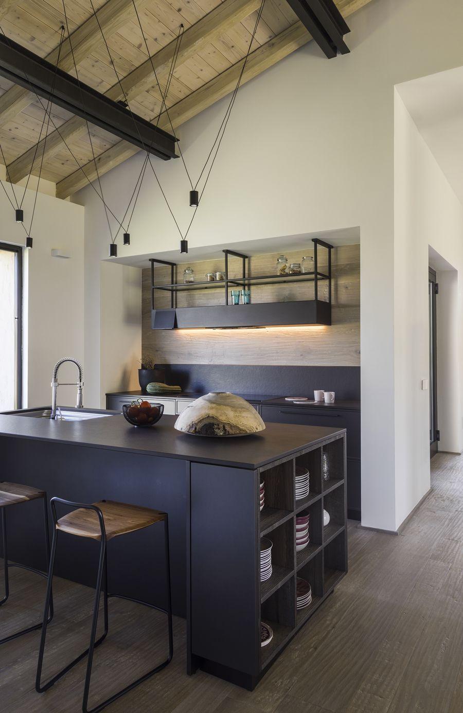 Capalbio Barn House - image 15