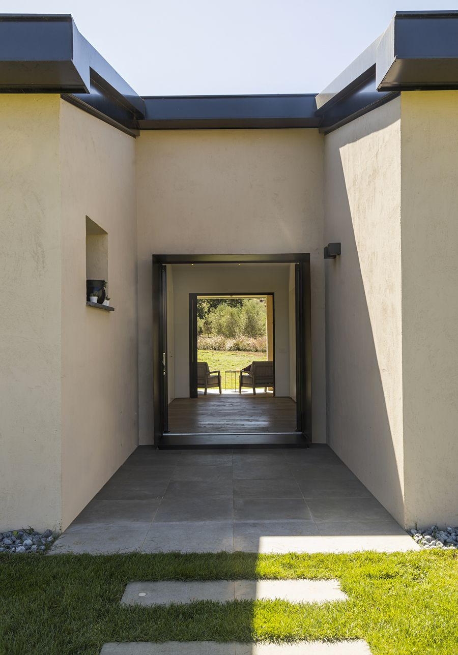 Capalbio Barn House - image 17